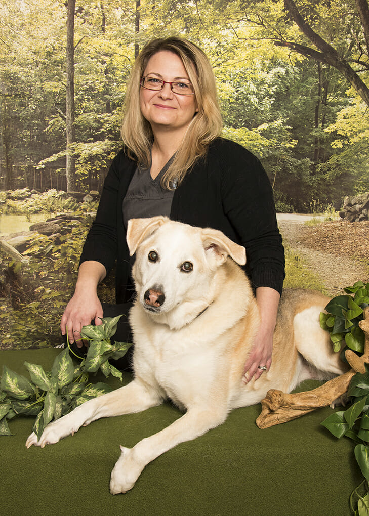 Laurie Moniz Groomer/Client Care Representative at Park Road Veterinary Clinic